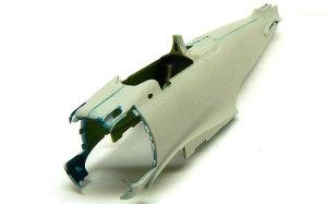 零式艦上戦闘機21型 胴体の貼り合わせ
