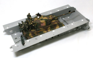 ケーニヒスティーガー・ヘンシェル砲塔 1/35のキンタと比べてみる