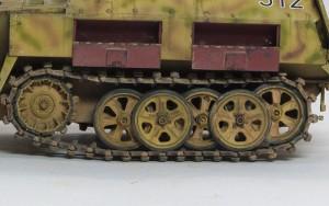 Sd.kfz.250/1ノイ 転輪にスミ入れ