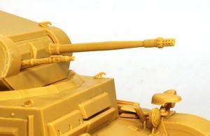 2号戦車F型 フラッシュハイダーの穴はピンバイスで開口