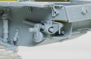 履帯のテンションを調整する装置
