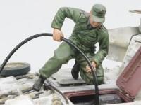 フィギュアの塗装 給油チーム