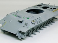 OVM、予備履帯ラック、ペリスコープの組立て