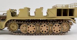 8tハーフトラックSd.kfz.7 1943年型 履帯の巻き付け