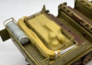 8tハーフトラックSd.kfz.7 荷物を作る