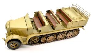 8tハーフトラックSd.kfz.7 ツヤ有りクリアでオーバーコート