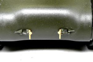 牽引フックの金具を追加