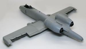 A-10Aサンダーボルト2 主翼 と胴体が完成