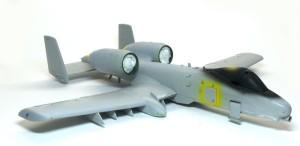 A-10Aサンダーボルト2 翼端灯のマスキング