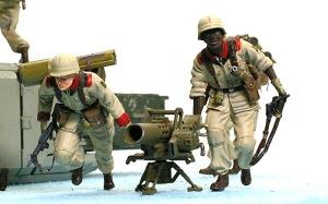 地球連邦軍・対MS特技兵セット ハワ・ニエレレ特技曹長とヨシフ・ボロダエフ一等特技兵