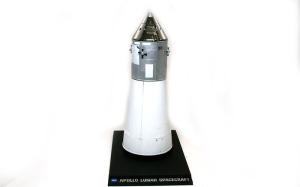 アポロ11号月着陸船 司令船+格納庫用の陳列台