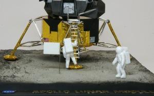 アポロ11号月着陸船 フィギュアの組立て