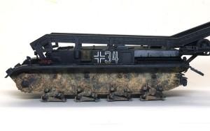 4号架橋戦車D型 車体下部の泥汚れ
