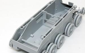BT-7 1935年型 箱組ではあるものの簡単に組みあがるシャーシ