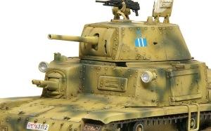 M13/40カーロ・アルマート ヘッドライト