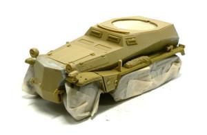 Sd.kfz.250/9 塗装前にマスキング