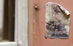 Feldkrankenhaus(野戦病院)  壁の破れたポスター