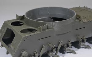 M42A1ダスター自走高射機関砲 車体の組立て