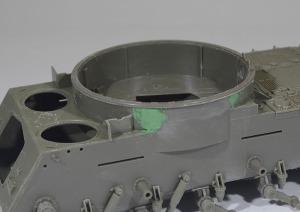 M42A1ダスター自走高射機関砲 ターレットリングを最後に組み立てる
