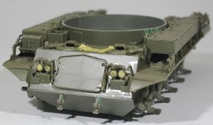 M42A1ダスター自走高射機関砲 箱の中での変形が心配になるほど薄いフェンダー