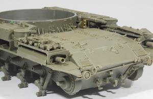 M42A1ダスター自走高射機関砲 精密に再現されたエンジンデッキ
