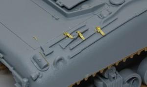 シャーマン2初期型 キットに入っているOVM用ベルトと留め具