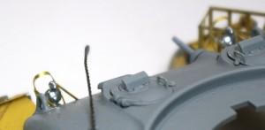 シャーマン2初期型 ヘッドライトはシルバーで下塗り