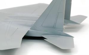 垂直尾翼の合わせ目消し