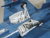 脚の組立て 支援戦闘機F-2A