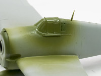 機体内部色で塗装