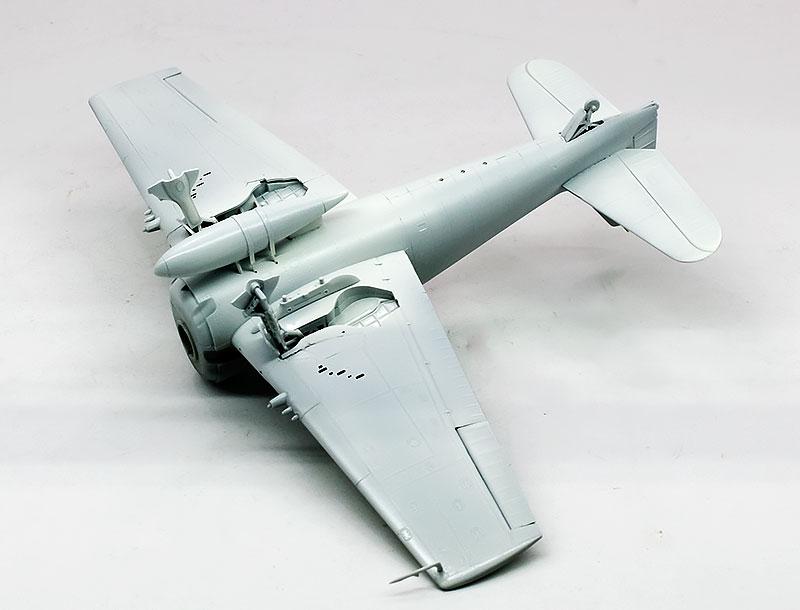 塗装1色目 機体下面色