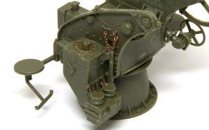 8.8cm対空砲Flak18 時限信管調整装置の蓋にチェーンを追加
