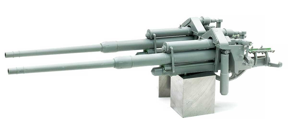 砲と揺架、2本目の組み立て