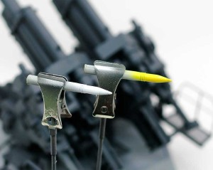 砲弾の塗装