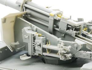 信管をセットする装置
