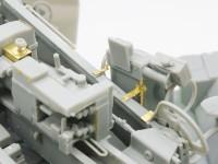 制御装置の裏側もキッチリ再現