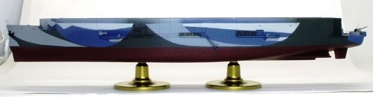 手すりの塗装 護衛空母CVE-73ガンビアベイ