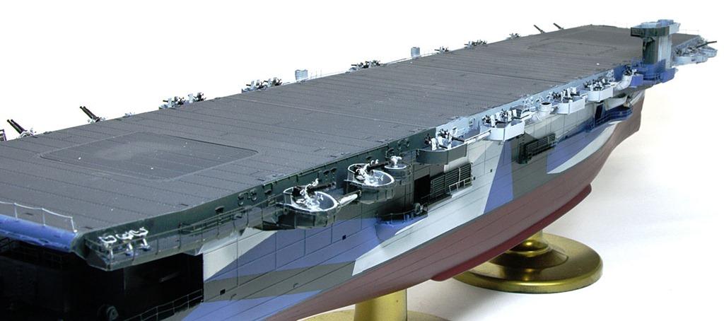 対空装備の取り付け 護衛空母CVE-73ガンビアベイ