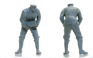 ドイツ・野戦榴弾砲兵 薬莢を運ぶ兵士