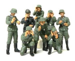 ドイツ・指揮官セット 腕の塗装と接着