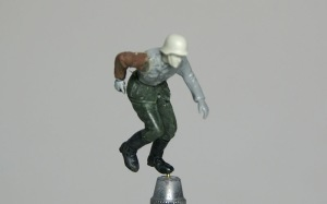 寄せ集めのパーツで走っている兵士を一人作る