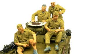 ドイツアフリカ軍団・熱帯戦車兵 下塗り