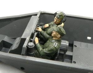 ハノマーグ兵員輸送車にドライバーと無線手を乗せてみた