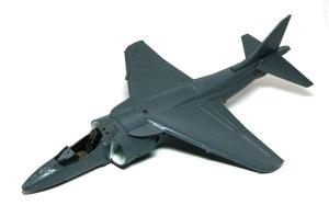 AV-8Bハリアー2 機体の組立て