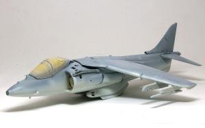 AV-8Bハリアー2 機体下面の塗装