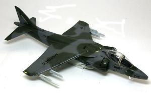 AV-8Bハリアー2 デカール貼り
