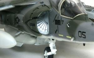 AV-8Bハリアー2 エアインテークとエンジン