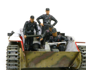 ヘッツァー駆逐戦車 立ってる二人も入らないよね・・・(;^ω^)