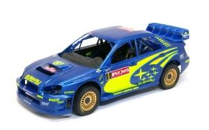 スバル・インプレッサWRC2004 ペーパーがけ