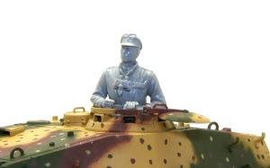 ケーニヒスティーガー・ヘンシェル砲塔 戦車長フィギュア